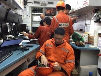 inside a mudlogging unit - amanda