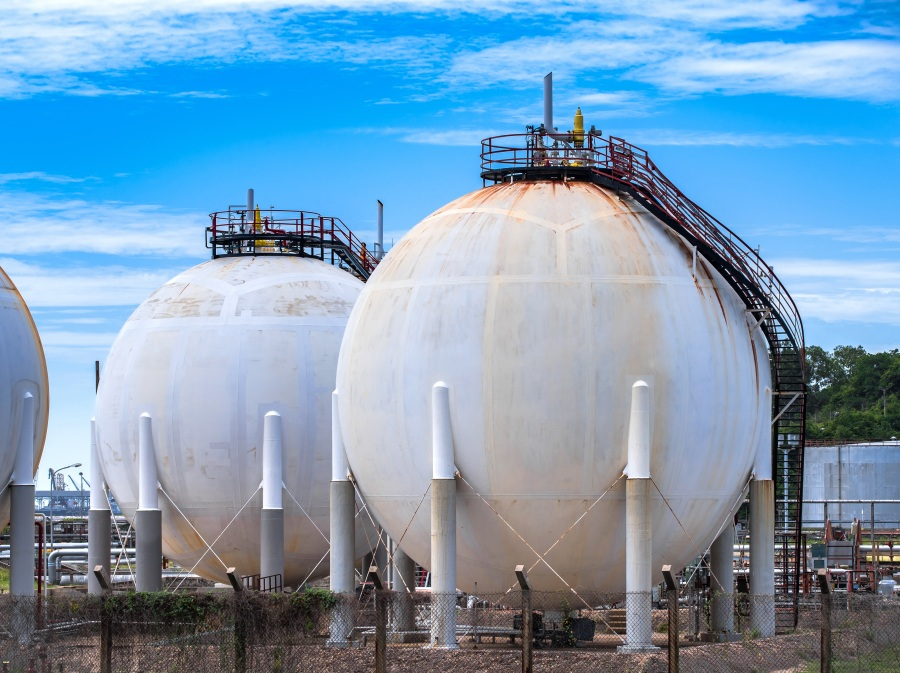 Spherical tanks - shutterstock_674277817